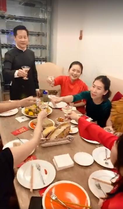 Khoe clip trang hoàng biệt thự đón Tết, Phan Như Thảo khiến chị em ghen tỵ khi lấy được chồng đại gia vừa chiều vợ vừa khéo tay - Ảnh 1