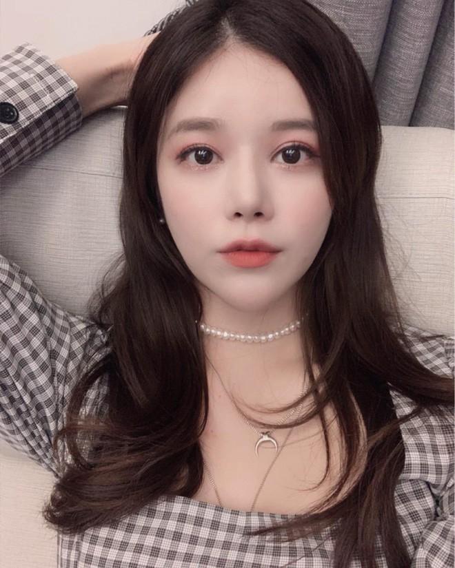 Các hot girl Hàn đánh mắt rất nhẹ nhưng vẫn xinh lồng lộn là nhờ cả vào bí kíp 2 giây này - Ảnh 6