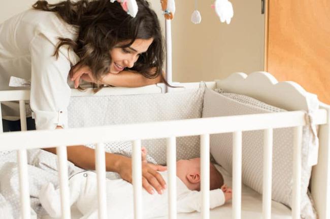 Đằng sau những vụ tử vong của trẻ sơ sinh khi ngủ là lời cảnh báo đau lòng của chính viên cảnh sát dành cho bố mẹ - Ảnh 3