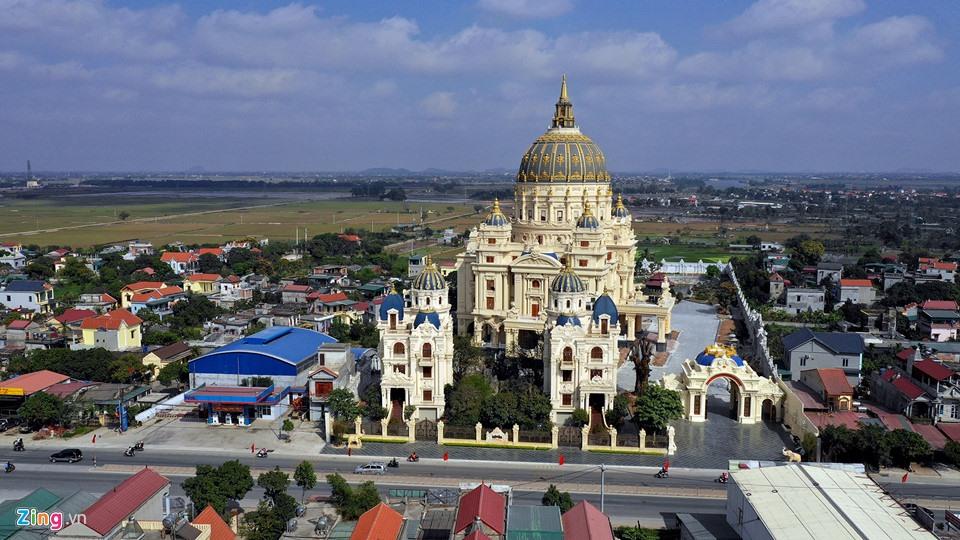 Lâu đài như trong truyện cổ tích của đại gia Ninh Bình - Ảnh 1