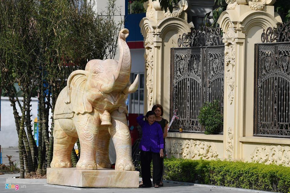 Lâu đài như trong truyện cổ tích của đại gia Ninh Bình - Ảnh 9