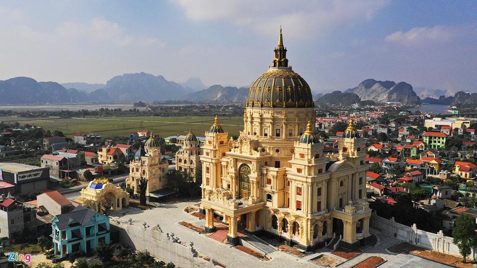 Lâu đài như trong truyện cổ tích của đại gia Ninh Bình - Ảnh 3