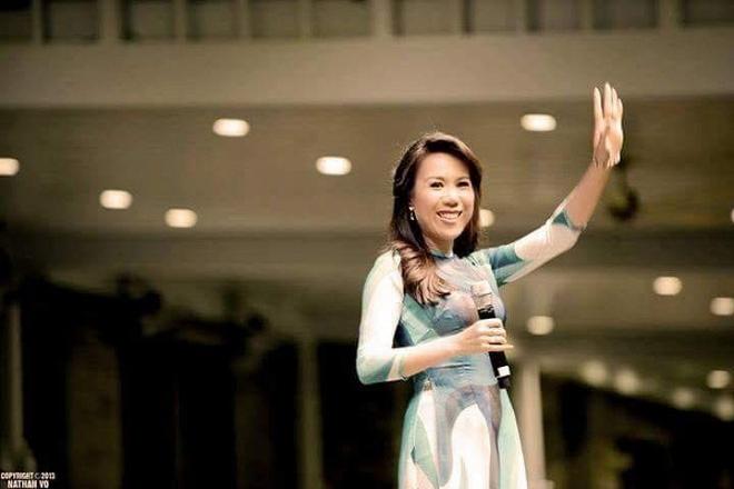 Lộ ảnh hiếm hoi về con gái mới sinh của ca sĩ Mai Thiên Vân - Ảnh 4