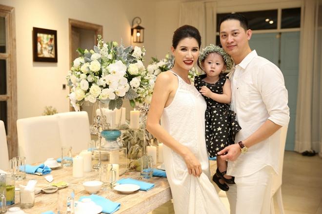 Ngày sinh nhật được chồng tặng hẳn cọc tiền USD, Trang Trần lại bật khóc vì... 'ức' - Ảnh 5