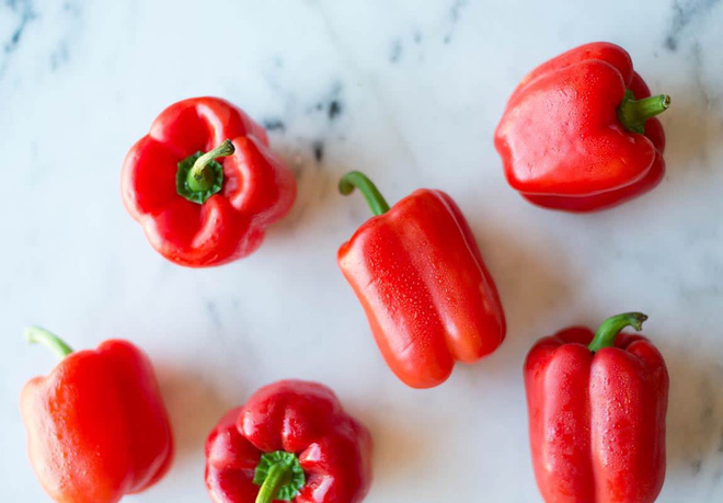 Thời tiết giao mùa dễ ốm, nên ăn những thực phẩm nào để tăng cường hệ miễn dịch giúp phòng bệnh - Ảnh 2