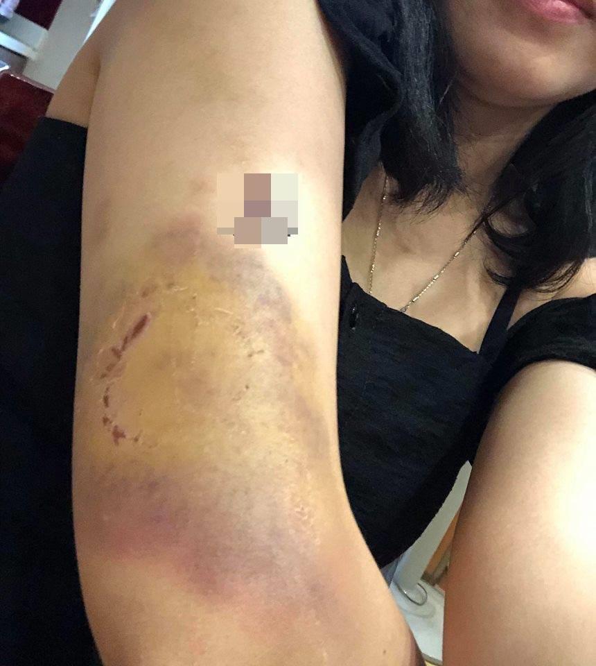 Vụ đánh ghen ngược nóng nhất MXH: Bị bắt gian tại trận, bồ già 52 tuổi cùng người nhà đánh vợ nhân tình tan nát - Ảnh 2