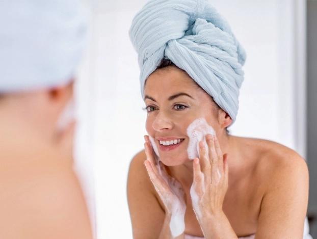 7 quy tắc cho phụ nữ sau tuổi 25 để giữ làn da trẻ trung, xinh đẹp - Ảnh 4