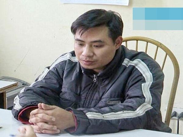 Chân dung đối tượng xâm hại bé 9 tuổi trong vườn chuối vừa bị bắt tạm giam để điều tra hành vi hiếp dâm - Ảnh 1