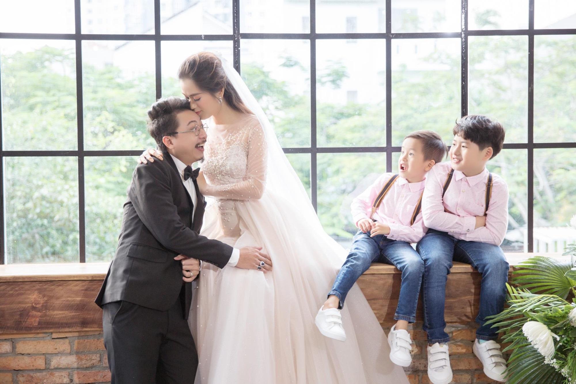 Mặc thiên hạ ngoại tình ly hôn, vợ chồng Lâm Vỹ Dạ 'tay trong tay' làm điều đặc biệt cho con trai - Ảnh 5