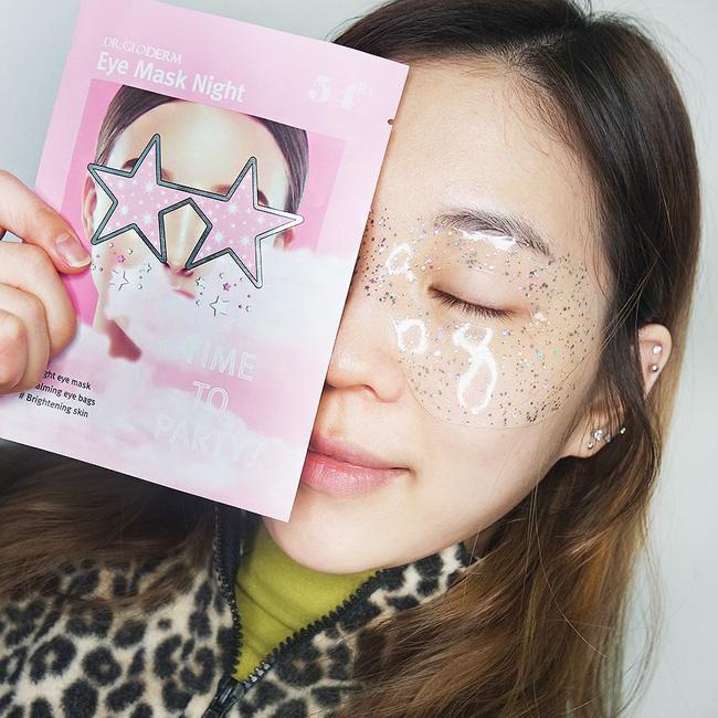 Nếu không muốn da xám xịt, nổi mụn sau khi thức khuya thì bạn đừng quên áp dụng 4 tips chăm sóc da này - Ảnh 1