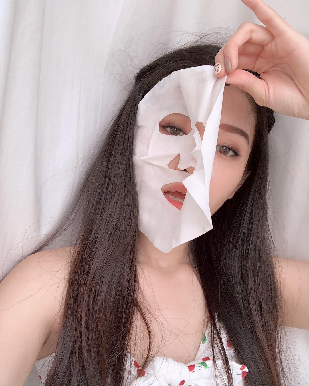 Nếu không muốn da xám xịt, nổi mụn sau khi thức khuya thì bạn đừng quên áp dụng 4 tips chăm sóc da này - Ảnh 4