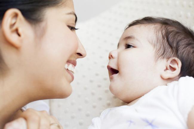 Những giai đoạn tập nói của trẻ và cách phát hiện sớm để giảm nguy cơ trẻ chậm nói các mẹ nên lưu ý nhé - Ảnh 5