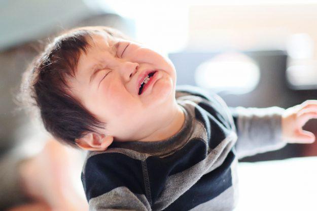 Thấu hiểu con để dập tắt những cơn mè nheo, ỉ ôi, khóc lóc - Việc cha mẹ tưởng khó mà hóa ra lại dễ vô cùng - Ảnh 1