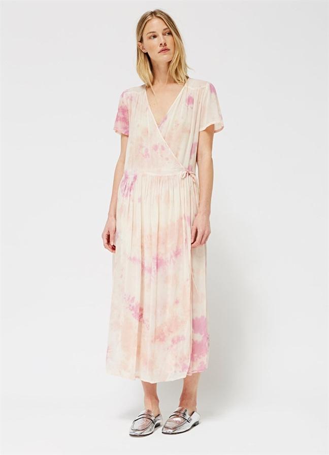 Wrap dress - chiếc váy mùa hè xinh tươi cho mọi cô nàng - Ảnh 6