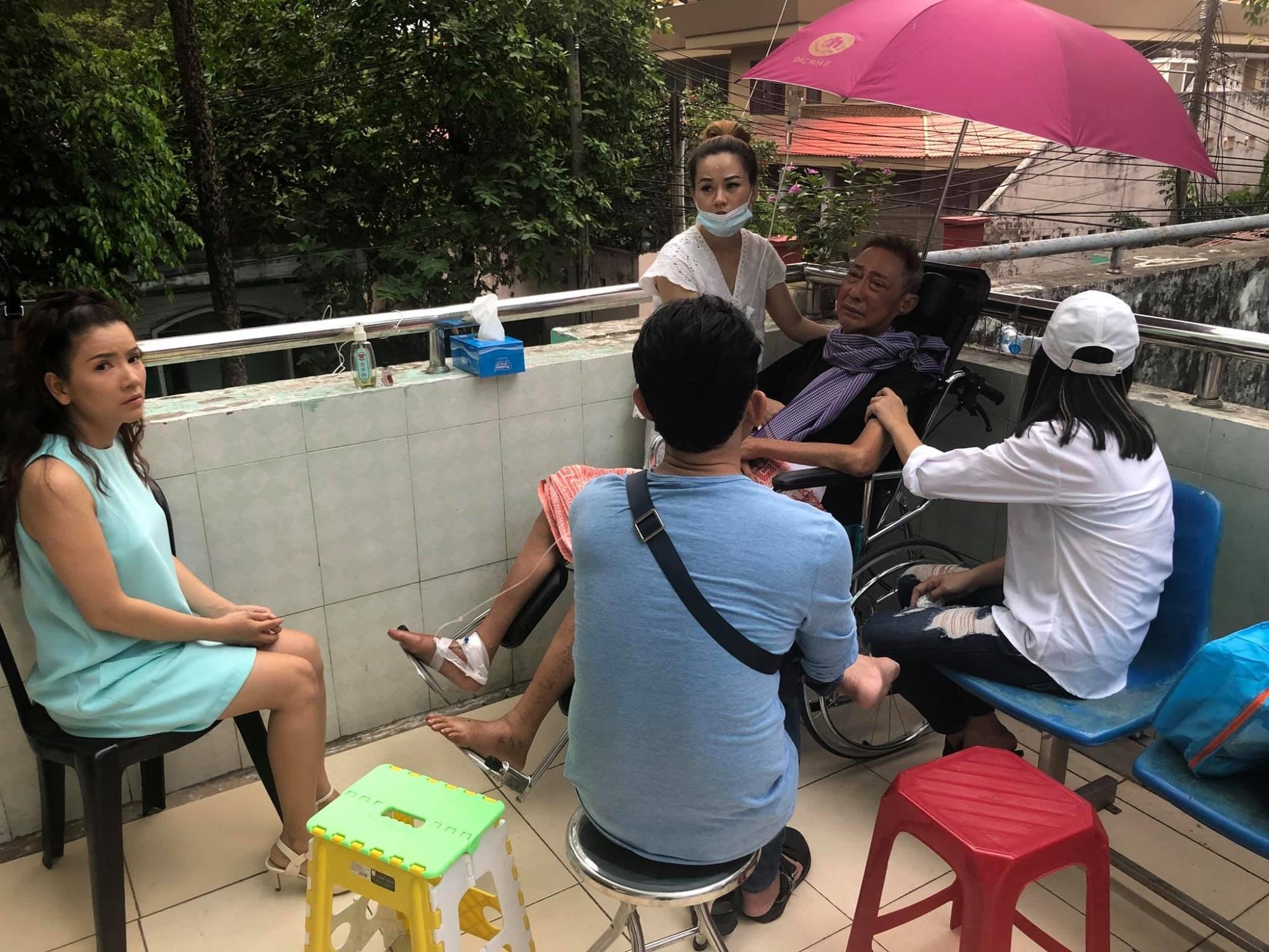 Xót xa với tâm sự đầy nước mắt của nghệ sĩ Lê Bình tại bệnh viện qua lời kể của Cát Phượng - Ảnh 1