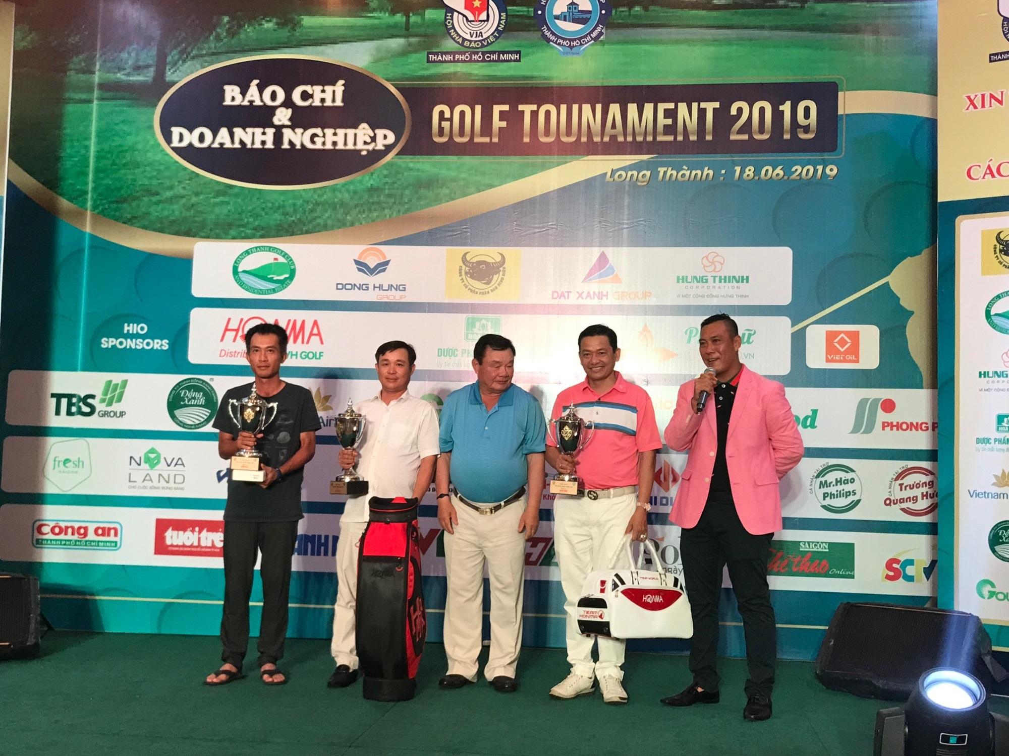 Tưng bừng giải Golf Báo chí và Doanh nghiệp 2019 mừng ngày Báo chí Cách mạng Việt Nam - Ảnh 6