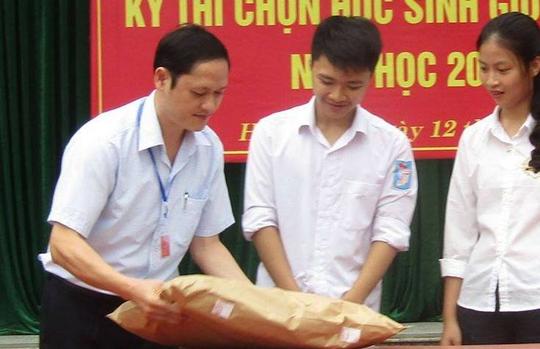 Gian lận điểm thi Hà Giang: Ông Vũ Trọng Lương vẫn đi làm bình thường - Ảnh 2