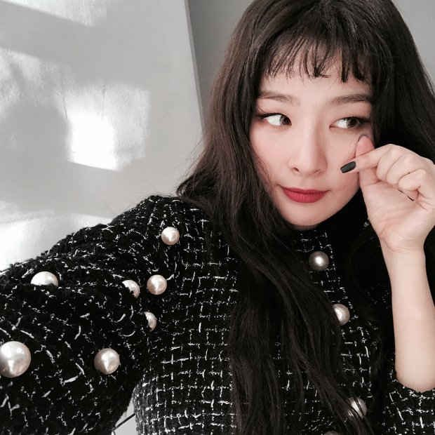 Hô biến mắt một mí thành mắt nai to tròn xinh như Seulgi (Red Velvet) với mẹo trang điểm cực đơn giản - Ảnh 1