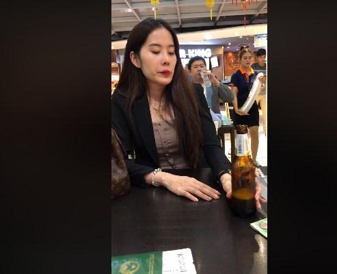 Lộ clip Nam Em ngồi uống bia một mình sau khi tự nhận giống con bệnh, không bao giờ hết khùng - Ảnh 6