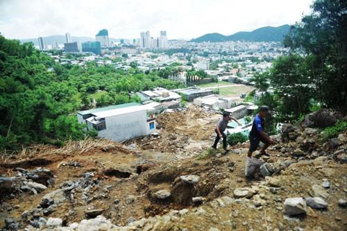 Dày đặc dự án trên núi ở Nha Trang - Ảnh 1