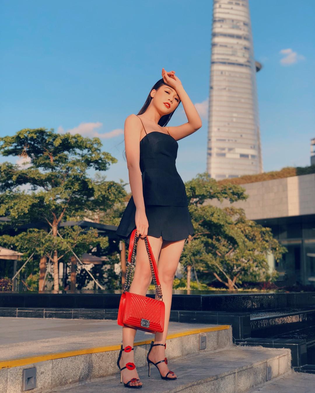 Gợi ý từ nàng Sam siêu 'nghiện' váy: 5 thiết kế sẽ đưa các cô nàng từ thái cực trẻ trung hack tuổi đến sang chảnh - Ảnh 9