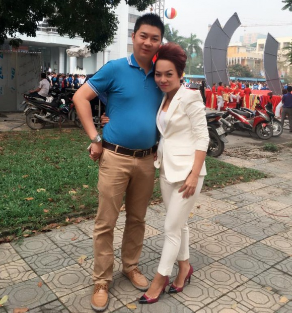 Ca sĩ Thái Thùy Linh xin fan 'hiến kế' giúp hóa giải chuyện mẹ ruột giận chồng - Ảnh 1