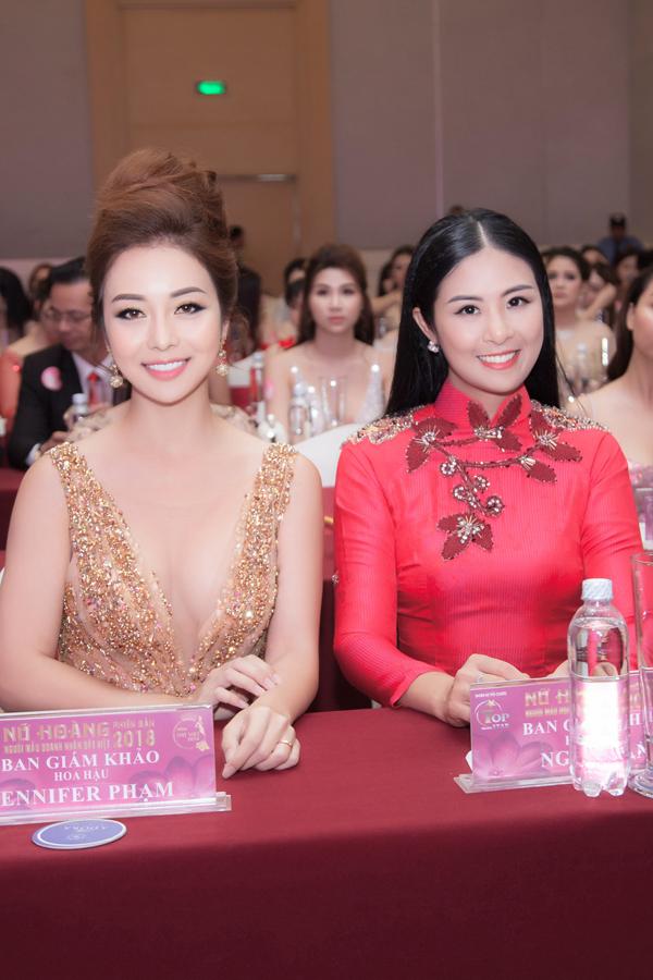 Hoa hậu Jennifer Phạm mặc váy xẻ sâu khoe vòng 1 đẹp như thần Vệ nữ - Ảnh 7