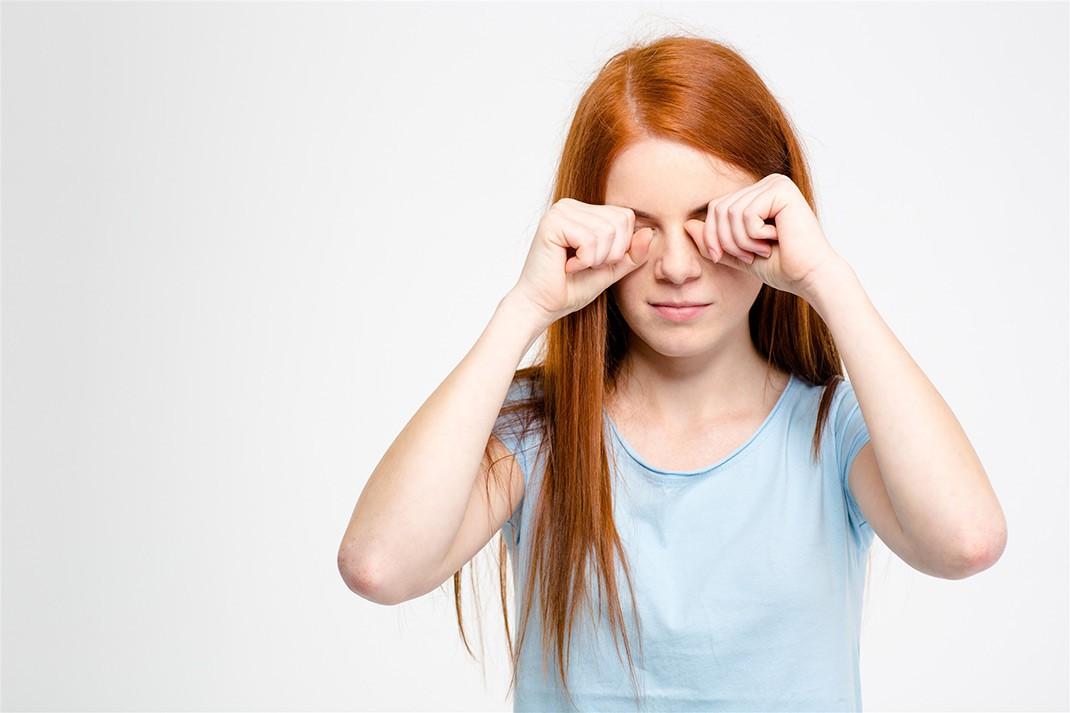 Những thói quen xấu gây ảnh hưởng nghiêm trọng đến thị lực mà nhiều người vẫn hay mắc phải - Ảnh 4