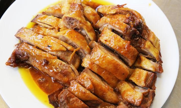Công thức làm món vịt kho nước dừa ngon đậm đà chuẩn vị Nam Bộ - Ảnh 1