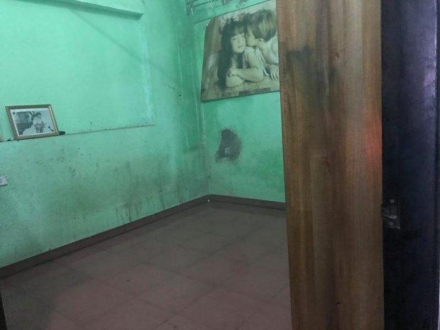 Vụ hai vợ chồng bị sát hại trong đêm ở Hưng Yên: Hai con chó to 30kg xích sau nhà nhưng không sủa - Ảnh 3