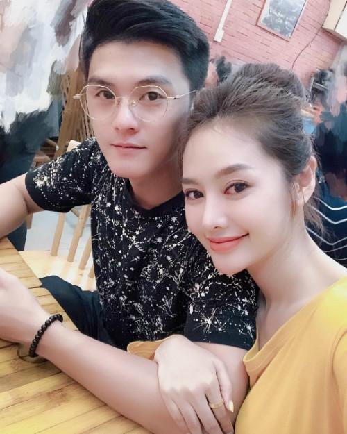 Đón sinh nhật bên Lâm Vinh Hải, Linh Chi gây sốt khi hạnh phúc tuyên bố: 'Hôm nay em chính thức là vợ anh' - Ảnh 5