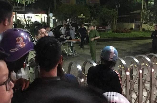 Thanh Hóa: Giang hồ bắn nhau ngoài phố, truy sát vào tận bệnh viện khiến nhiều người sợ hãi - Ảnh 1