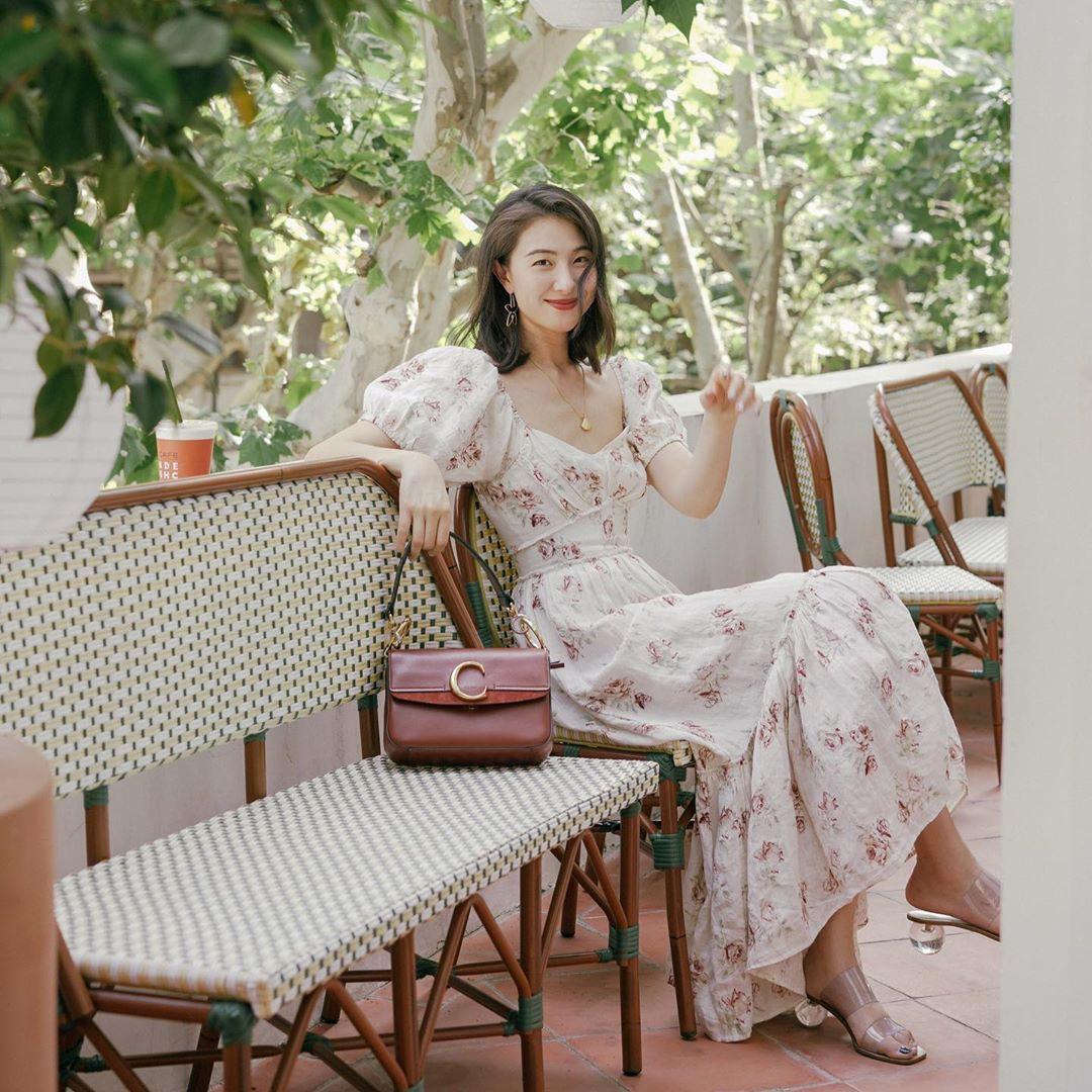 Bỗng thấy không kiểu váy nào vượt qua được váy dáng dài về độ sang chảnh, yêu kiều và hợp rơ với tiết trời se lạnh - Ảnh 3