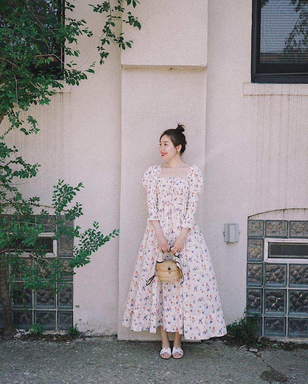 Bỗng thấy không kiểu váy nào vượt qua được váy dáng dài về độ sang chảnh, yêu kiều và hợp rơ với tiết trời se lạnh - Ảnh 6