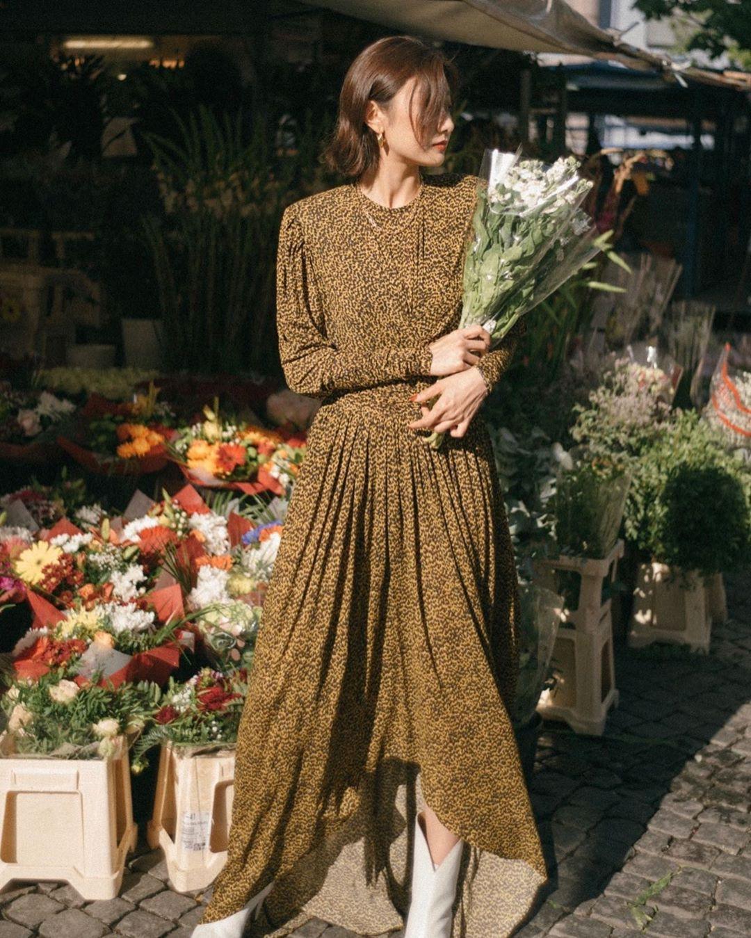 Bỗng thấy không kiểu váy nào vượt qua được váy dáng dài về độ sang chảnh, yêu kiều và hợp rơ với tiết trời se lạnh - Ảnh 8