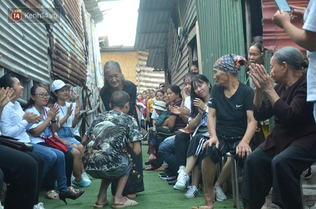 Ngày 20/10 đặc biệt của những phận người phụ nữ nghèo khổ trong xóm trọ tồi tàn ở Hà Nội - Ảnh 10