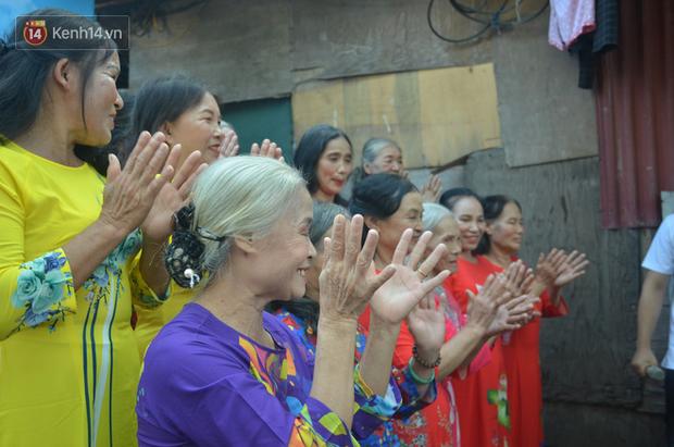 Ngày 20/10 đặc biệt của những phận người phụ nữ nghèo khổ trong xóm trọ tồi tàn ở Hà Nội - Ảnh 12