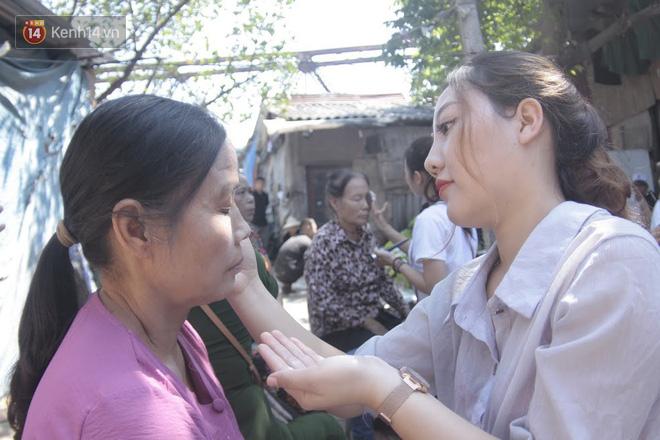 Ngày 20/10 đặc biệt của những phận người phụ nữ nghèo khổ trong xóm trọ tồi tàn ở Hà Nội - Ảnh 2