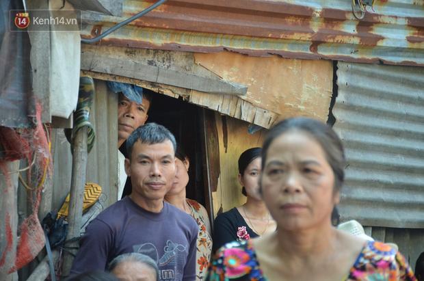 Ngày 20/10 đặc biệt của những phận người phụ nữ nghèo khổ trong xóm trọ tồi tàn ở Hà Nội - Ảnh 7
