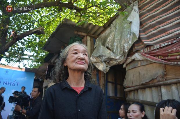 Ngày 20/10 đặc biệt của những phận người phụ nữ nghèo khổ trong xóm trọ tồi tàn ở Hà Nội - Ảnh 9