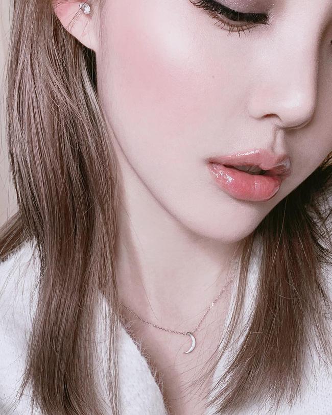 4 kiểu makeup không bao giờ lỗi mốt, nàng nào diện cũng 'auto' đẹp và cực chuẩn để diện vào mùa đông - Ảnh 5