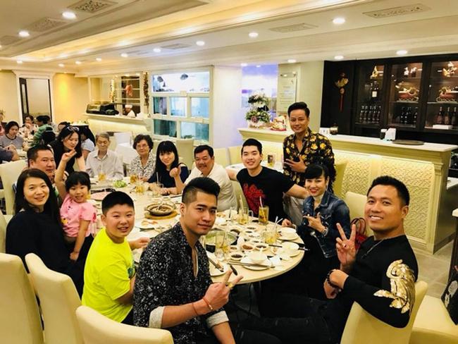 Cuộc sống ở nhà lầu, đi siêu xe của Trương Nam Thành sau khi lấy vợ đại gia có 2 con riêng - Ảnh 5