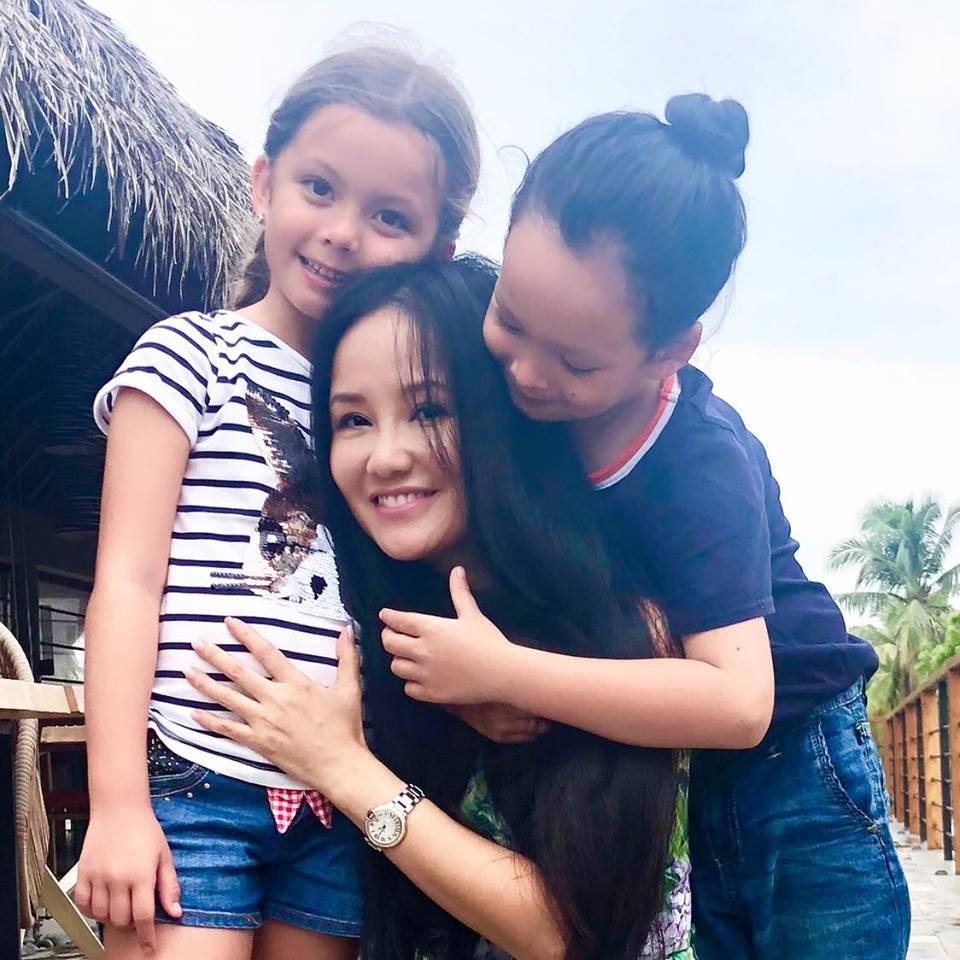 Giữa nghi án bị cướp chồng, Hồng Nhung vẫn vô tư làm điều này cho các con - Ảnh 4