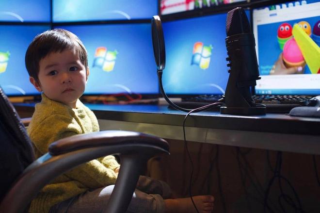 Bà xã Đan Trường tự hào khoe con trai đã biết kiếm tiền dù chưa tròn 2 tuổi - Ảnh 1