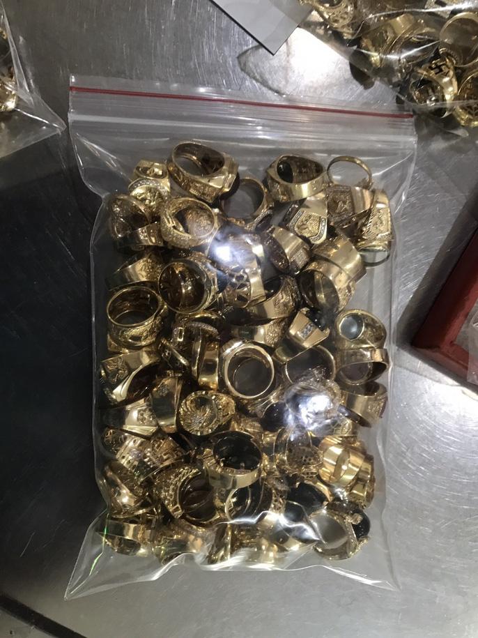 Bất ngờ vụ bán 230 lượng vàng: Lấy trộm của chủ trong 6 năm liền - Ảnh 3