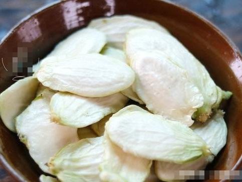 Món canh thần dược từ thứ bổ dưỡng nhất của quả su su nhưng 90% người Việt bỏ đi - Ảnh 1