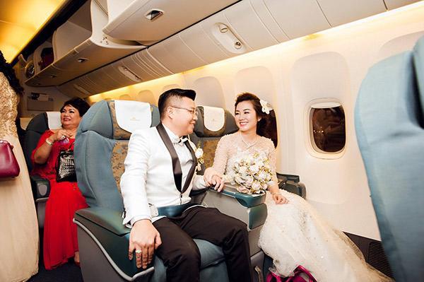 Đám cưới tiền tỷ rúng động Nam Định 2016 kết thúc: Cô dâu ở nhà, 2 năm chăm 3 con - Ảnh 1