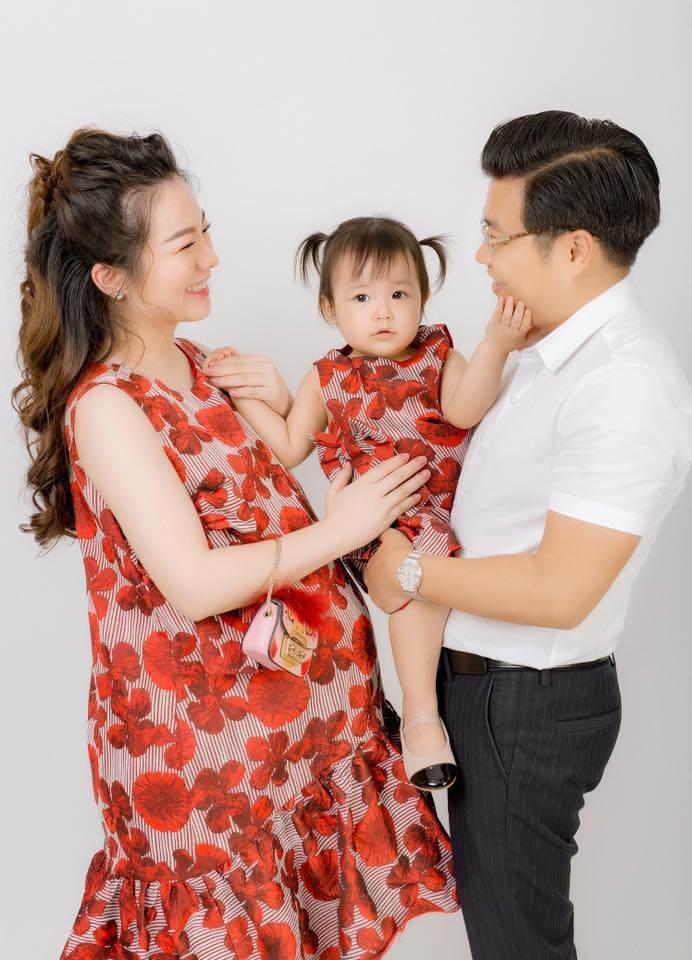 Đám cưới tiền tỷ rúng động Nam Định 2016 kết thúc: Cô dâu ở nhà, 2 năm chăm 3 con - Ảnh 3