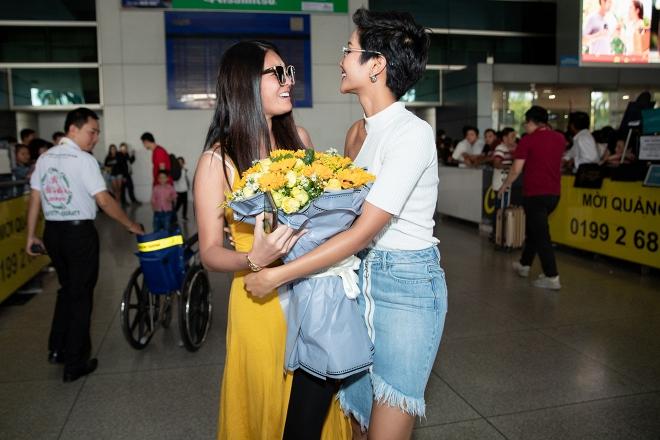 Hoa hậu Hoàn vũ Nhật Bản từng gây sốt với quốc phục thuỷ thủ mặt trăng sang Việt Nam thăm H'Hen Niê - Ảnh 3