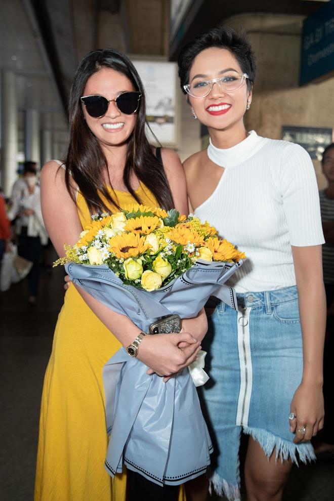 Hoa hậu Hoàn vũ Nhật Bản từng gây sốt với quốc phục thuỷ thủ mặt trăng sang Việt Nam thăm H'Hen Niê - Ảnh 4